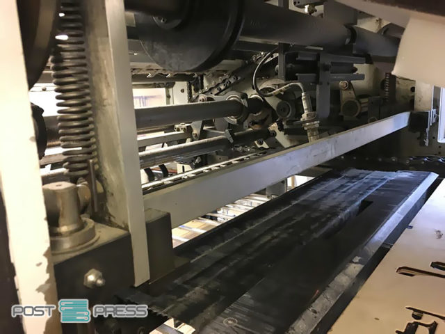высекательный автомат Бобст SP 102-E (цепи на приёмке)