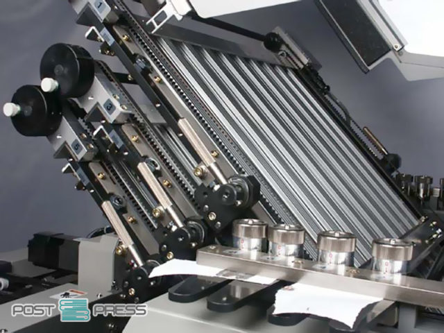 6 моторизированных фальцевальных кассет + 1 электронный нож (Horizon AFC-546AKT)