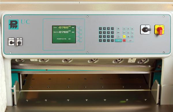 новый компьютер UC современной серии машин Перфекта