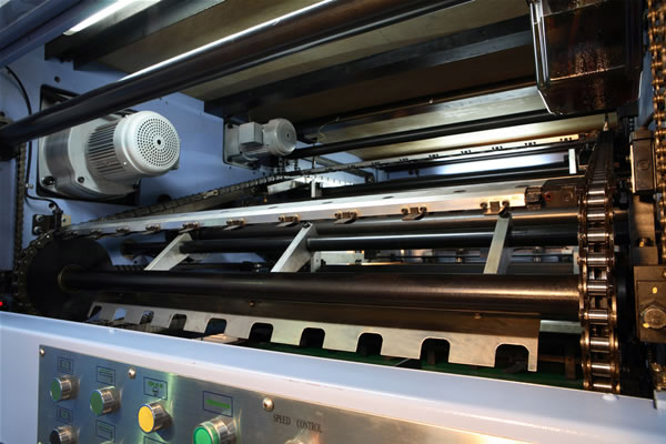 приемно-выводное устройство штанцагрегата YOCO Iijima 1040E